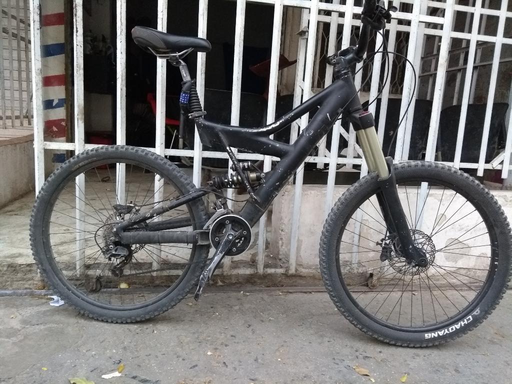 Vendo Bicicleta de Downhill Xtreme Talla