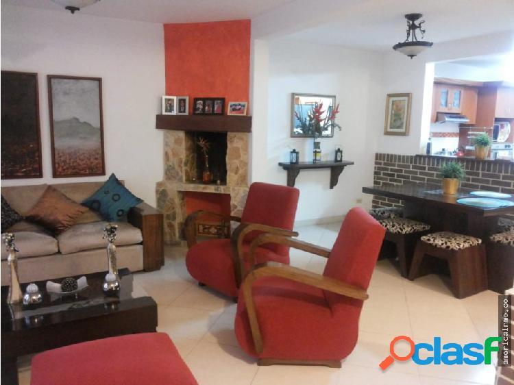 Casa de 3 niveles en Alquiler La Doctora Sabaneta