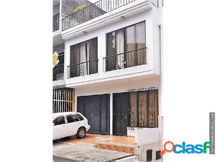 Casa en Venta Ciudad 2000 - (2 pisos).