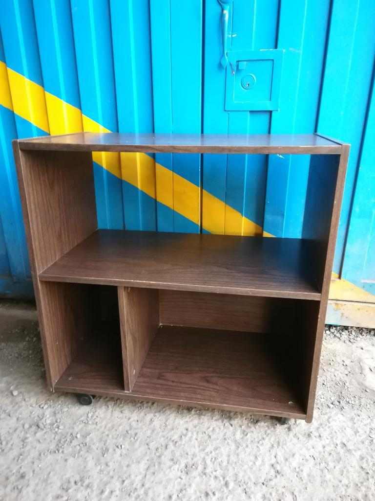 Mesa Mueble para Televisor Rodachinas