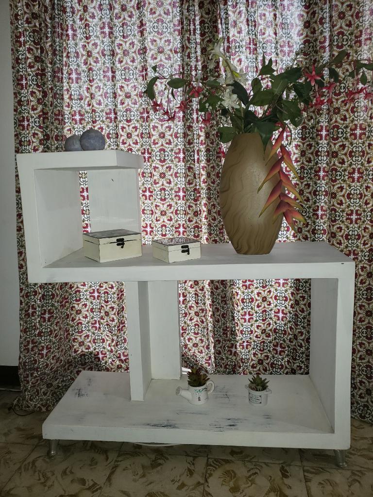 Mesa de Centro Y Mueble de Madera