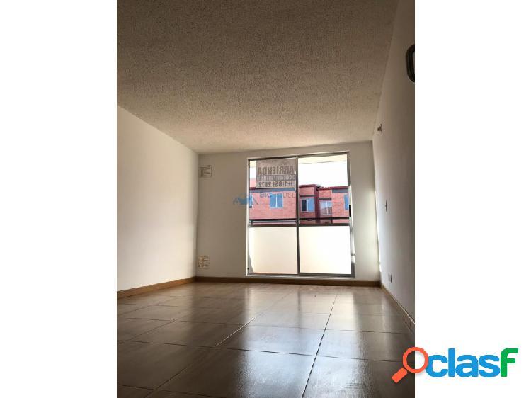 Se arrienda o vende apartamento Los Álamos T10438