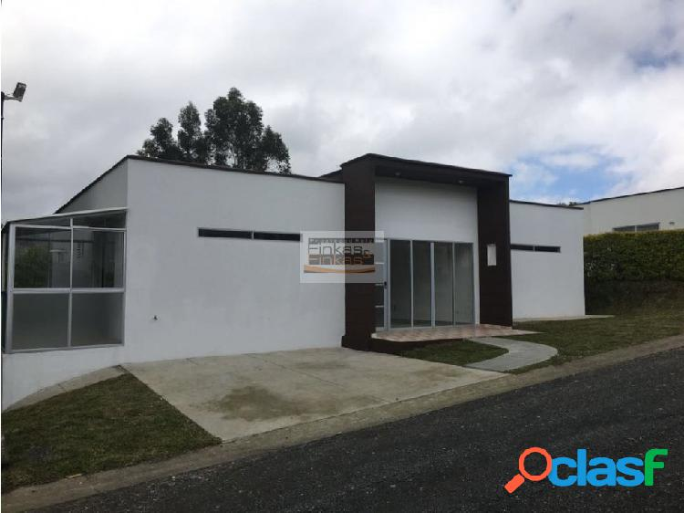 Se vende Casa en Conjunto Santa Rosa Cabal