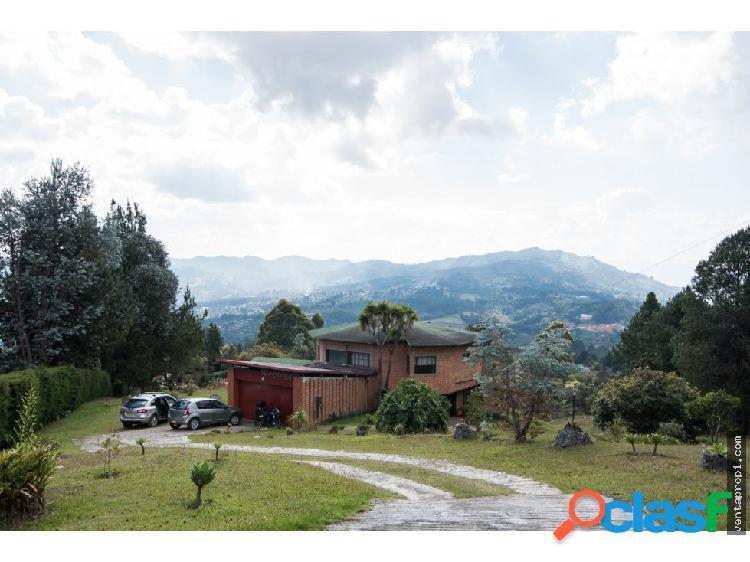 Venta de finca en Guarne Altos de la Molina