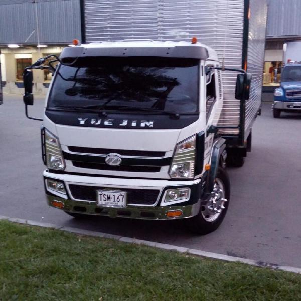 Camión Naveco