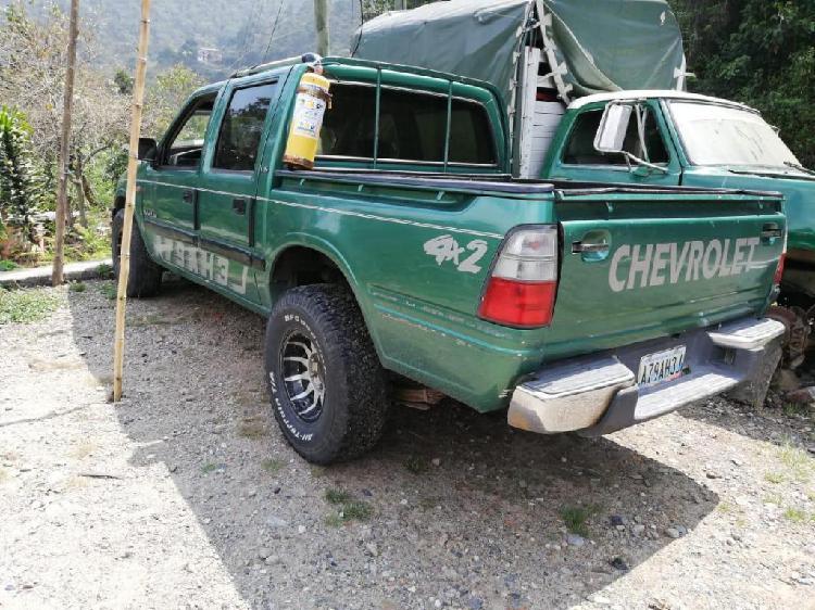 Chevrolet Luv 2300