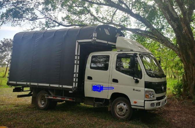 Vendo Camión foton doble cabina, con capacidad de 2,4