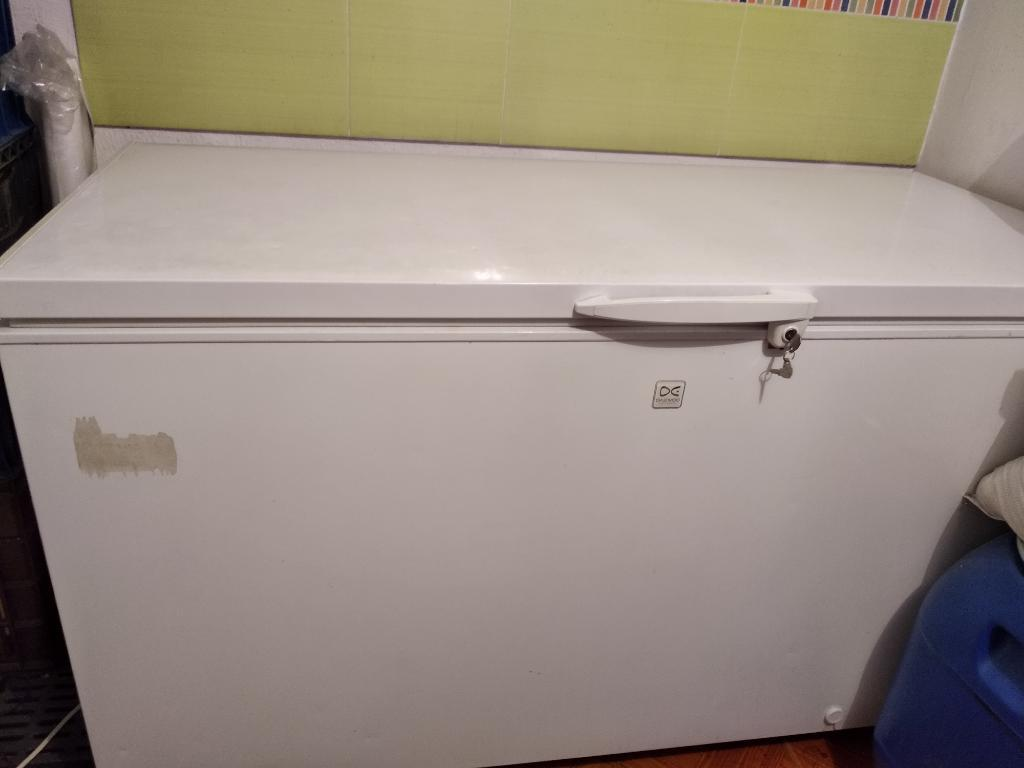 Congelador Daewoo de 635 Litros