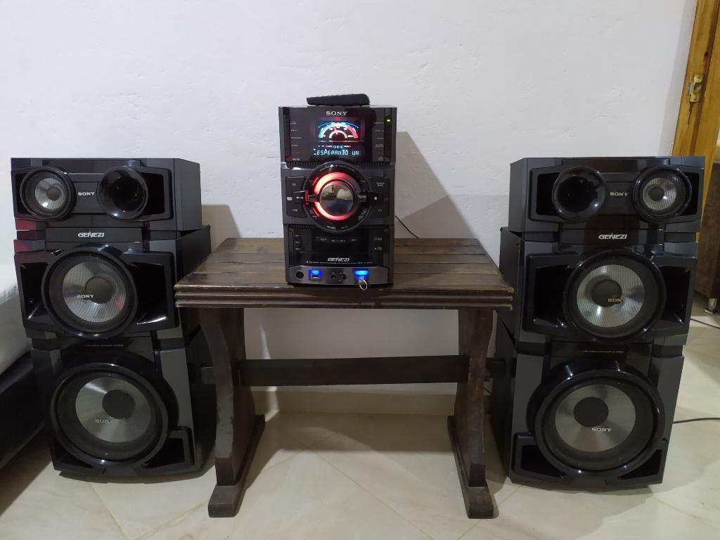Equipo de Sonido Sony Minicomponente 6 Parlante Genezi Shake