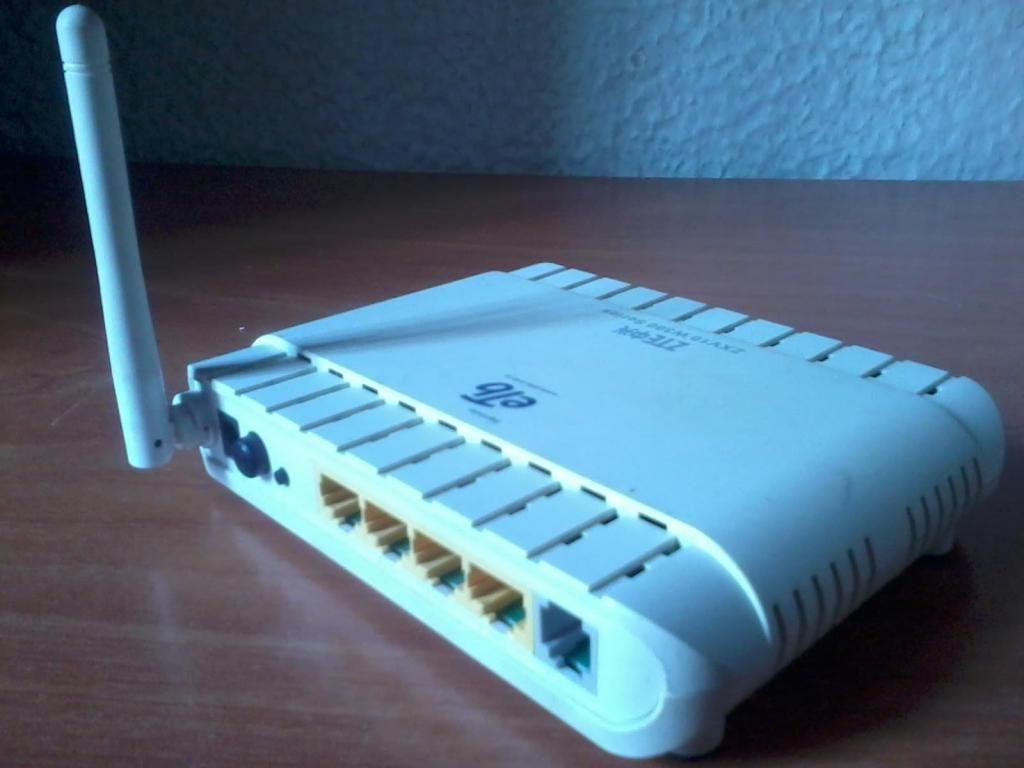 MODEM ZTE internet wifi ZXV10 W300 CON CARGADOR