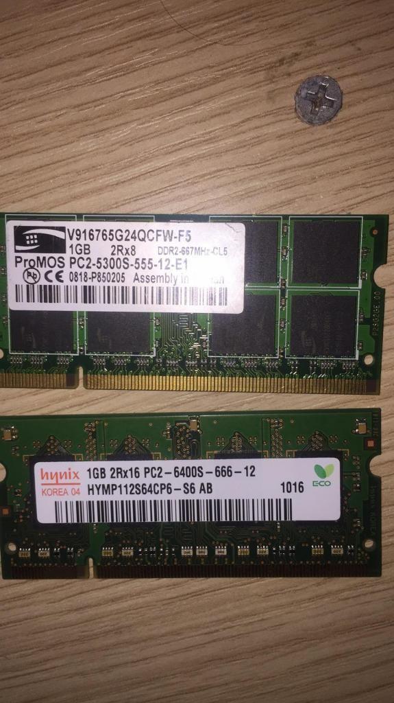 2 Memorias Ram Ddr2 de 1 Gb