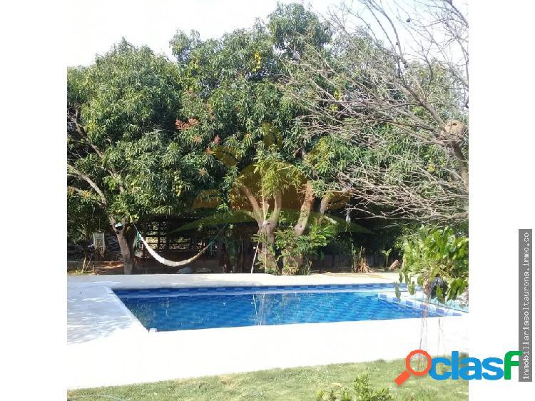 En venta casa lote con piscina, en Bonda-02