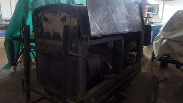 REGALO Motosoldador SAE350 Diesel motor Perkins 3 cilindros