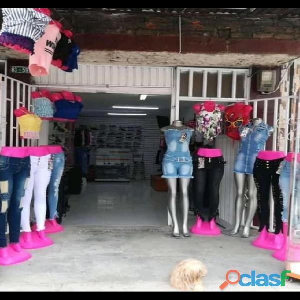 Vendo negocio de ropa y calzado