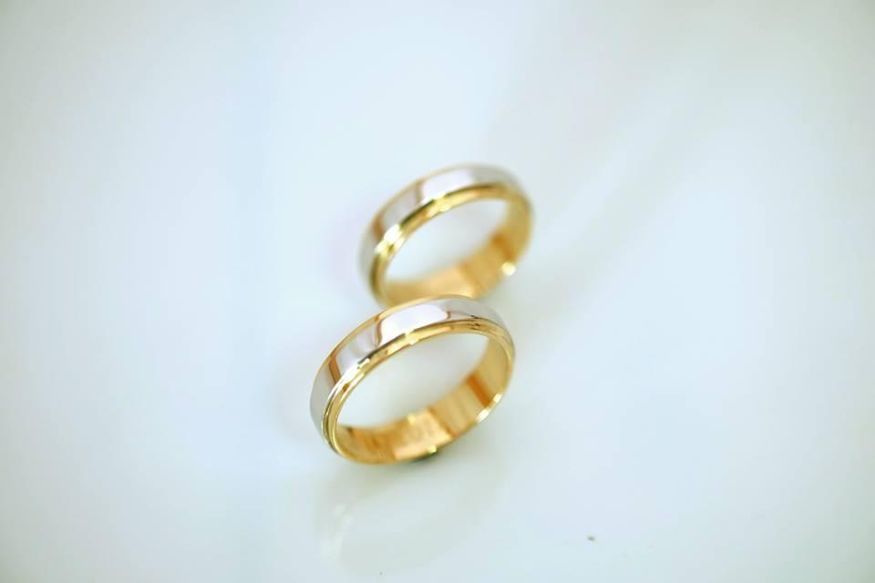 Argollas de matrimonio Anillos de compromiso