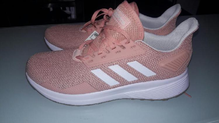 Vendo Tenis Adidas Nuevos