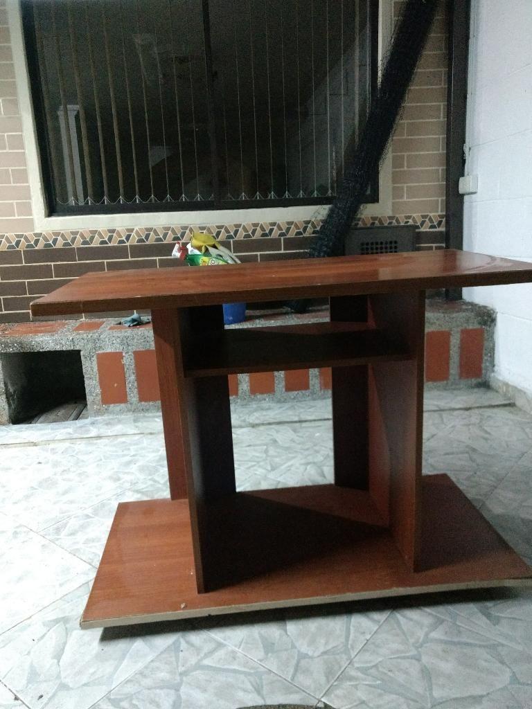 Regalo Mueble en Madera Y Mesa Auxiliar
