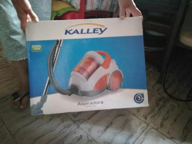 Se Vendw Aspiradora Kaley 1400 W