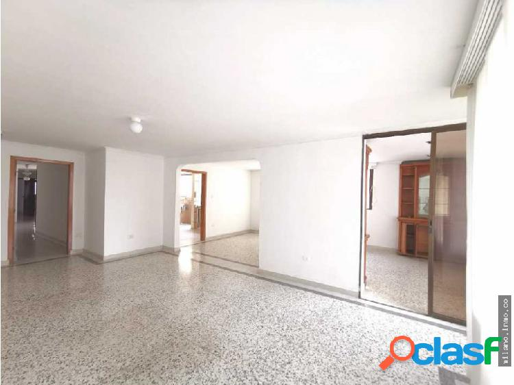 Arriendo apartamento en Altos de Riomar