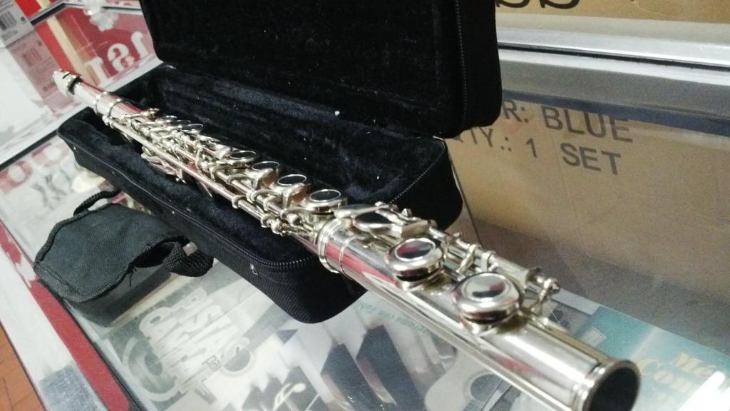 Flauta Transversa Profesional Marca Conductor con Estuche