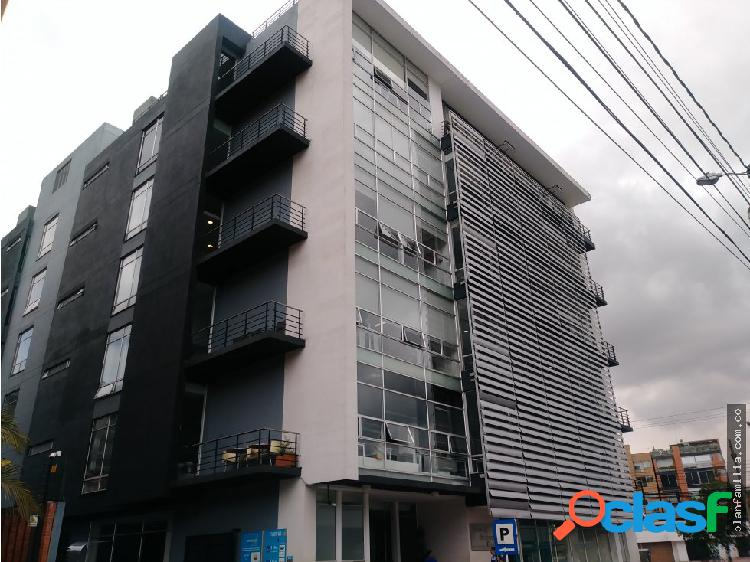 ARRIENDO OFICINA EN CENTRO DE NEGOCIOS