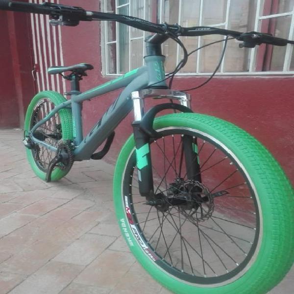 Bicicleta en Aluminio Rin 26