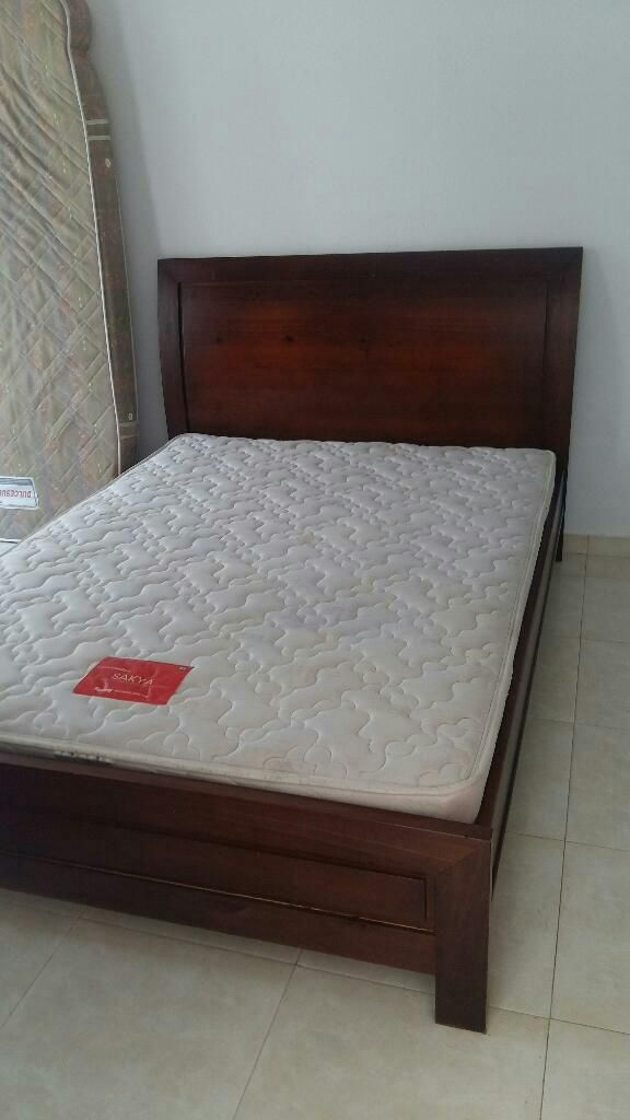 Vendo Cama Doble en Buen Estado
