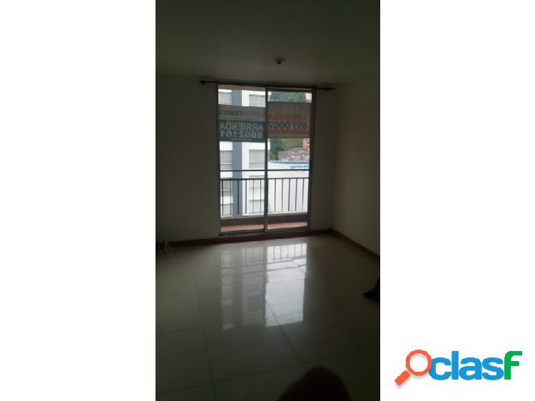 Se alquila apartamento en La Carola