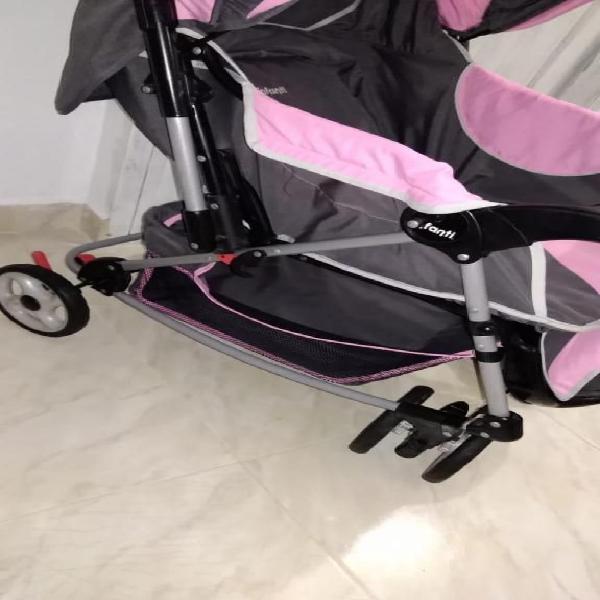 VENDO COCHE MECEDOR PARA BEBE MARCA INFANTI BUEN ESTADO