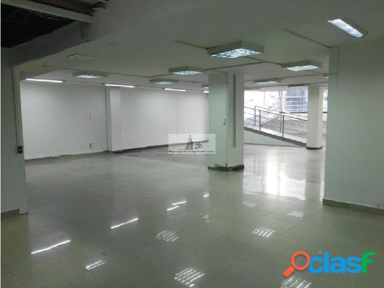 Se arrienda edificio Centro Pereira