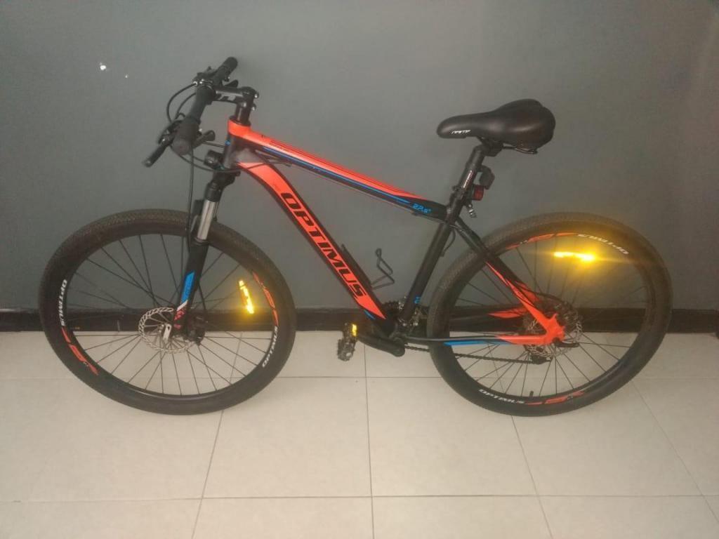 Vendo Bicicleta OPTIMUS Excelente estado.