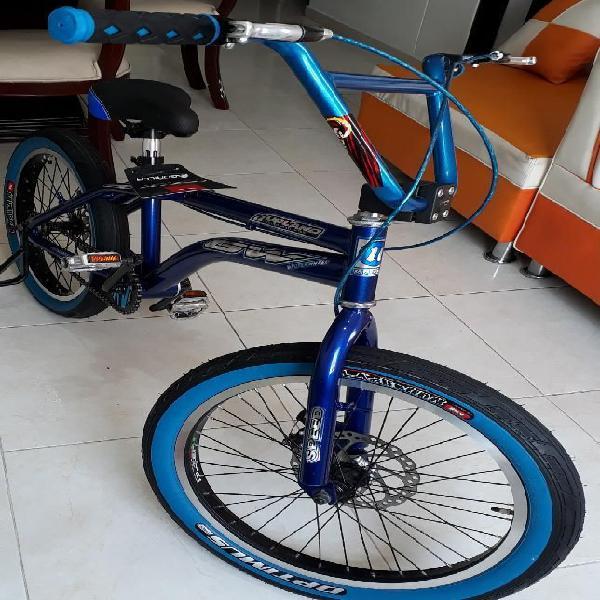 Se Vende Bicicleta de Bmx. Marca Gw.