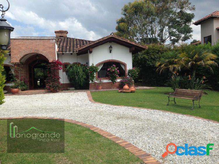 Casa en arriendo - Unidad Cerrada - Llanogrande