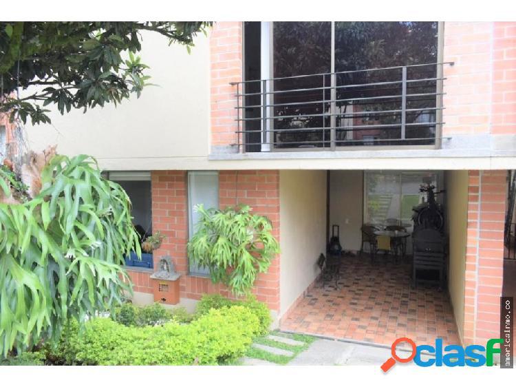 Casa en venta en Envigado sector Las Brujas