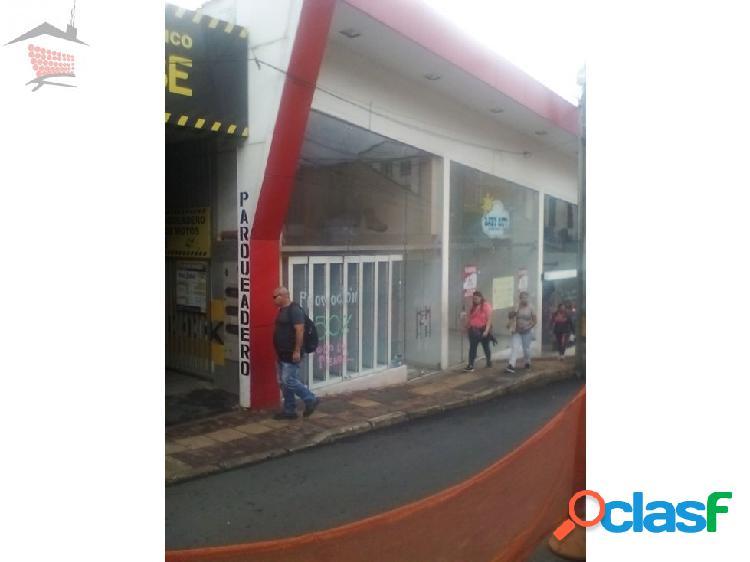LOCAL 1ER PISO AREA:64 M2.PARQUE DE BELLO.$3.000.000.= MAS