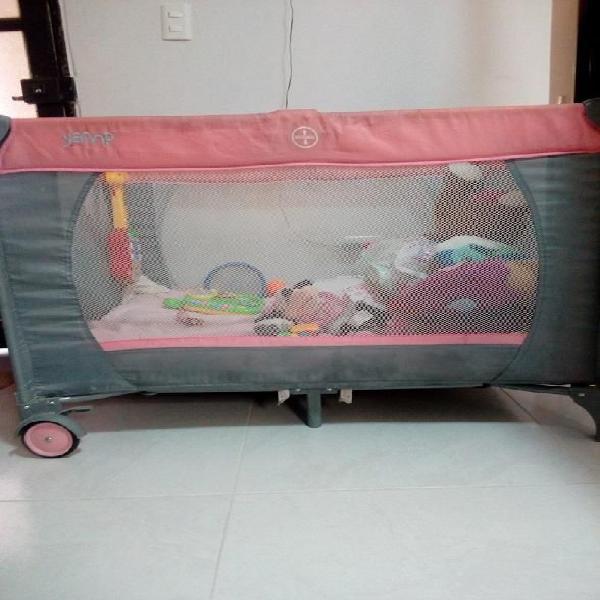 Vendo corral cuna para bebé con sus accesorios