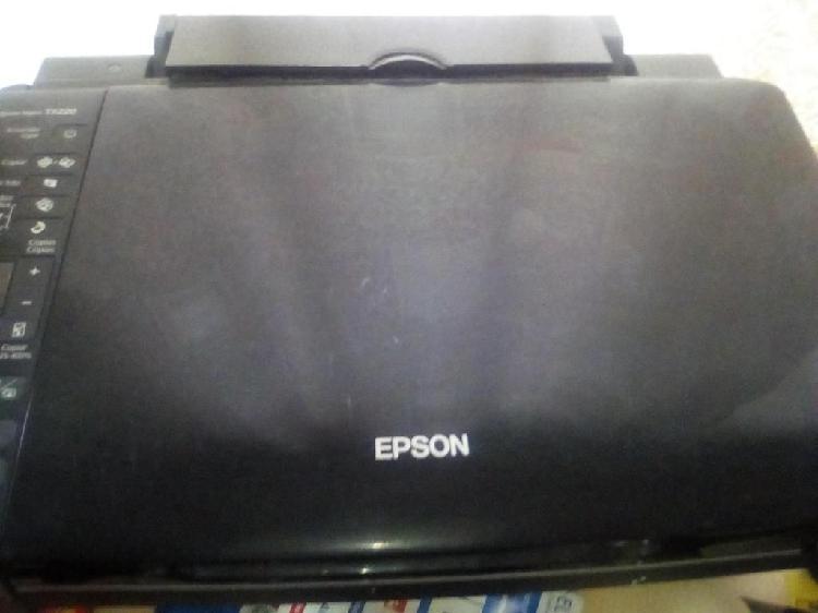 IMPRESORA EPSON TX 220 Escanner E iMPRESORA