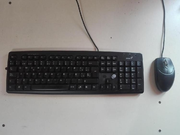 Combo teclado y mouse, marca Genius de conectores PS2