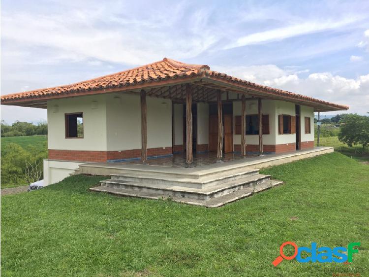 VENTA DE FINCA EN MORELIA PEREIRA 30 CDRAS