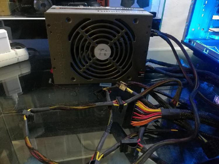 Fuente Thermaltake 1200 Watts