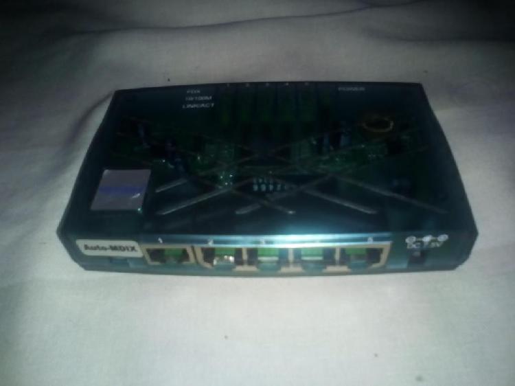 Hub Router Switch 5 Puertos Qp COM 305k Cameras 85mil
