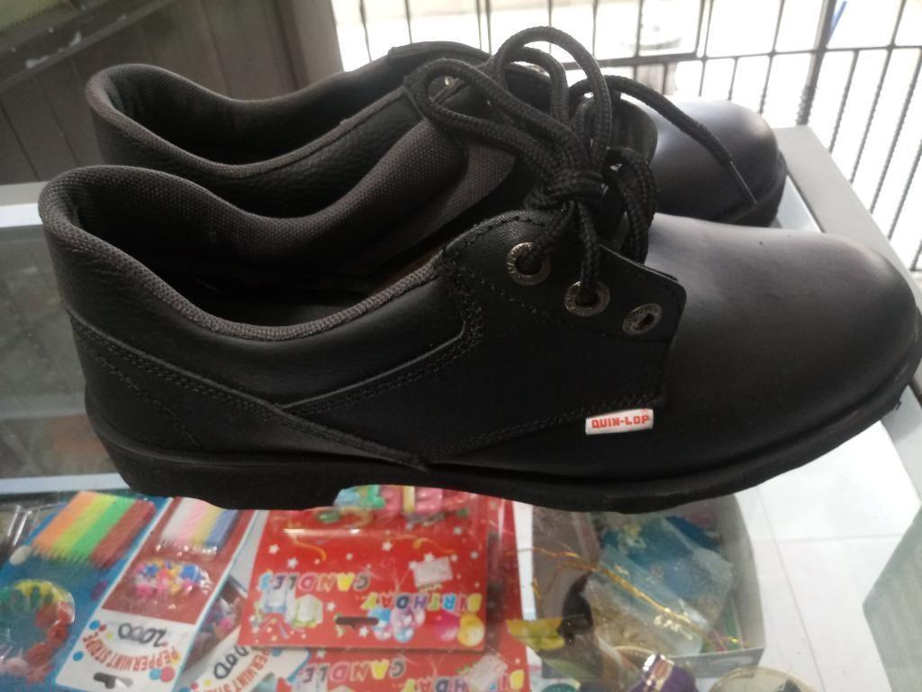 Vendo Zapatos de Cuero Talla 42