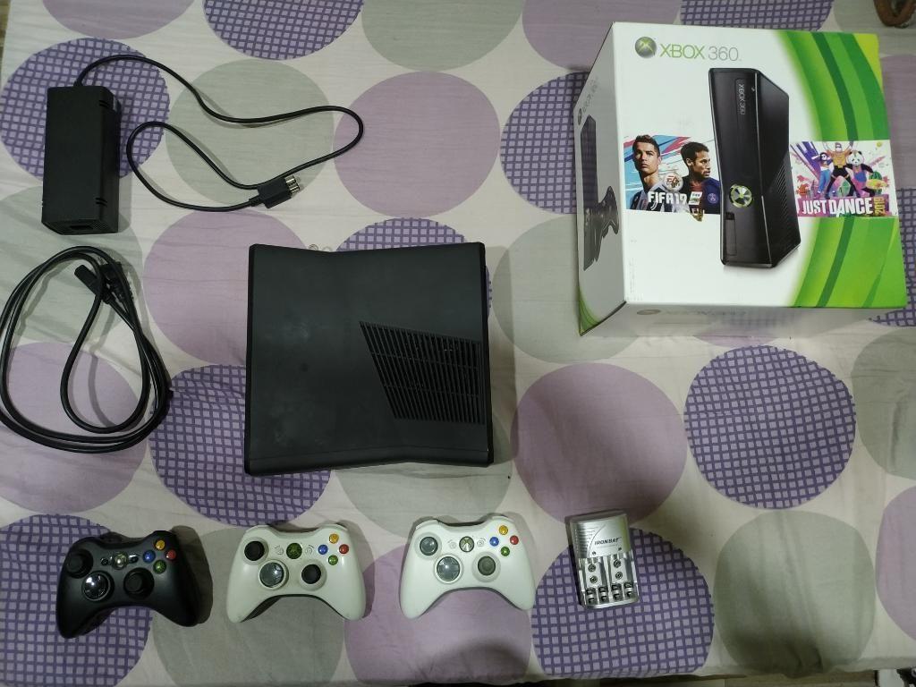 Xbox 360 Slim Perfecto Estado con Disco