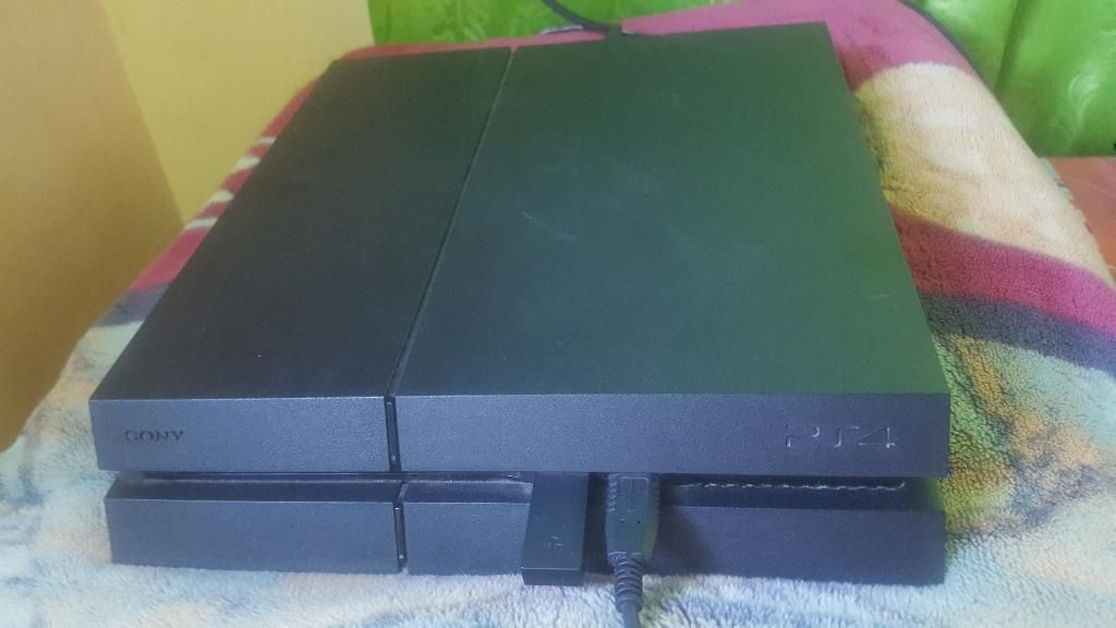 Se Vende Ps4 en Perfecto Estado