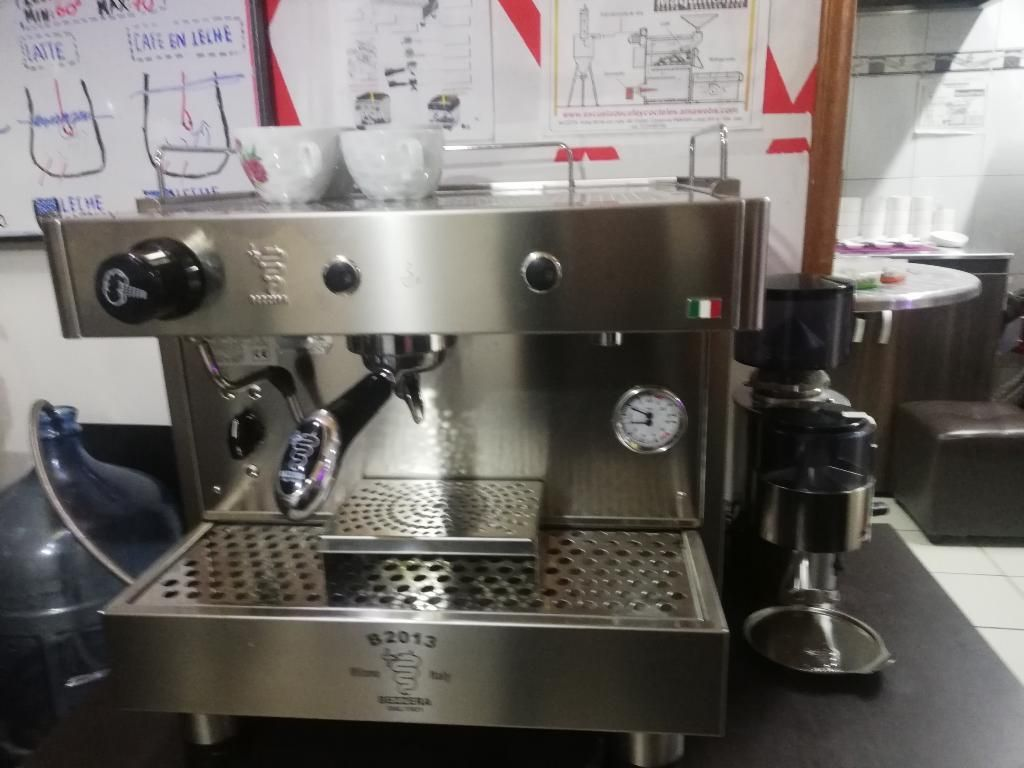 '' Ganga''maquina de Cafe Capuchinera