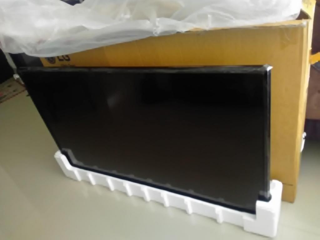 Televisor de 49 pulgadas UHD 4k smart tv, wifi, TDT, NUEVO