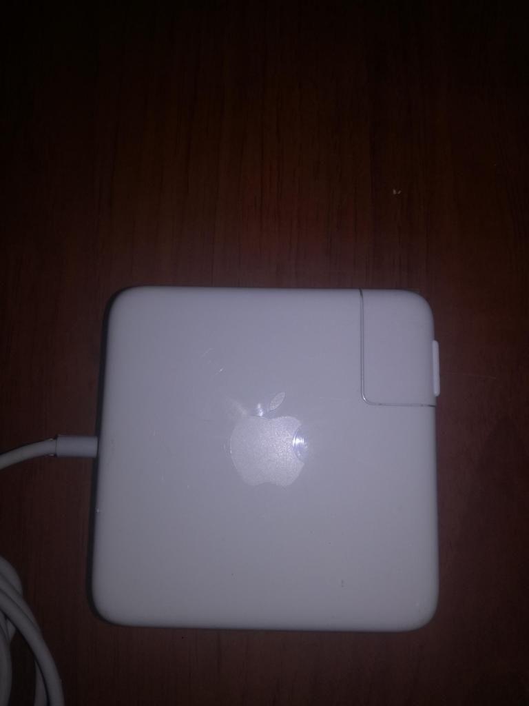 Cargador Original Macbook Pro 85w Como Nuevo (A)