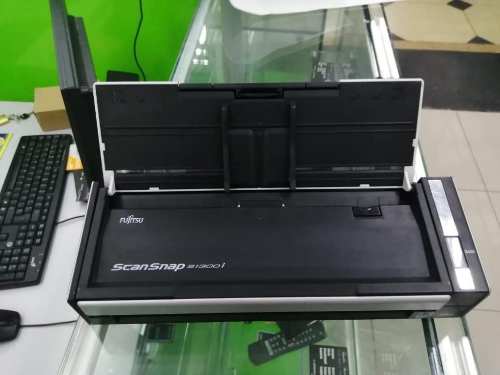 Escáner - Fujitsu ScanSnap Si Portable Color Duplex