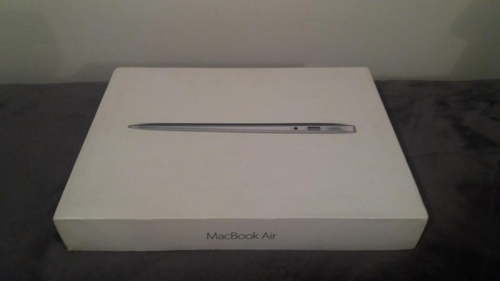 Portátil MacBook AIR CORE i7 de 13.3 Pulgadas  Ref: