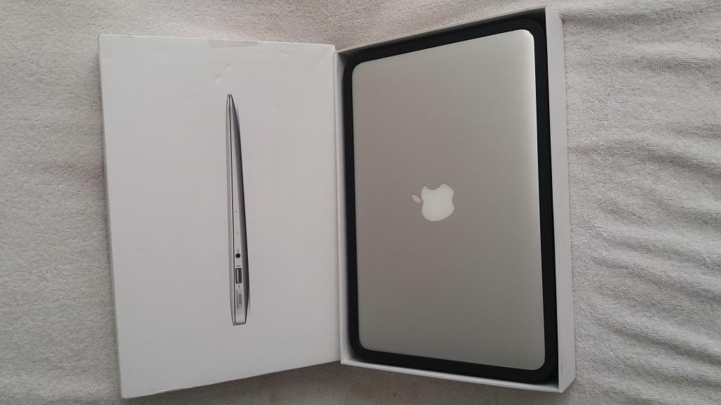 Portátil MacBook Air Core i5 de 11 pulgadas  GB de